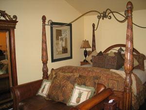 Comfort and lavish decor in Honor Mansion
