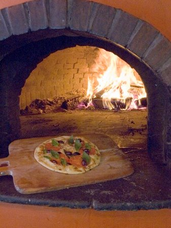 Three Tomatoes brick pizza overn