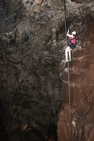 Rappel-Moaning Cavern