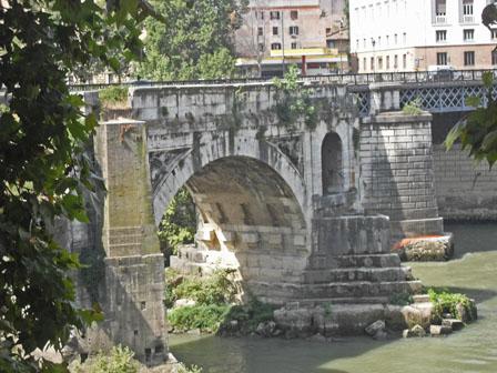 Ponte Rotto (Broken Bridge)