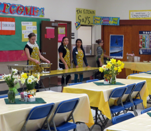 Amity School Children Serve at the Daffodil Festival