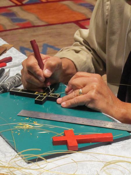 Artist Demonstrates Straw Work at the Santa Fe Winter Spanish Market