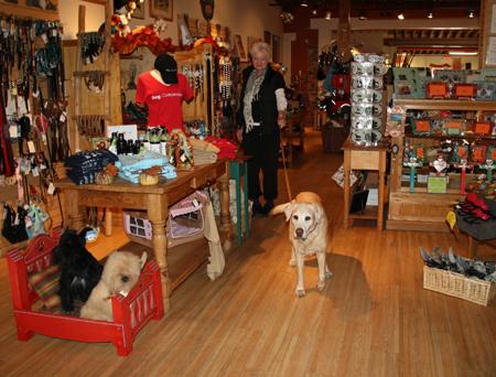 Teca Tu, Doggie Boutique in Santa Fe